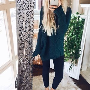 American Eagle// Forest Green Lush Sweater B50